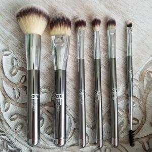 IT Brushes for ULTA Full-Size Travel Brush Set
